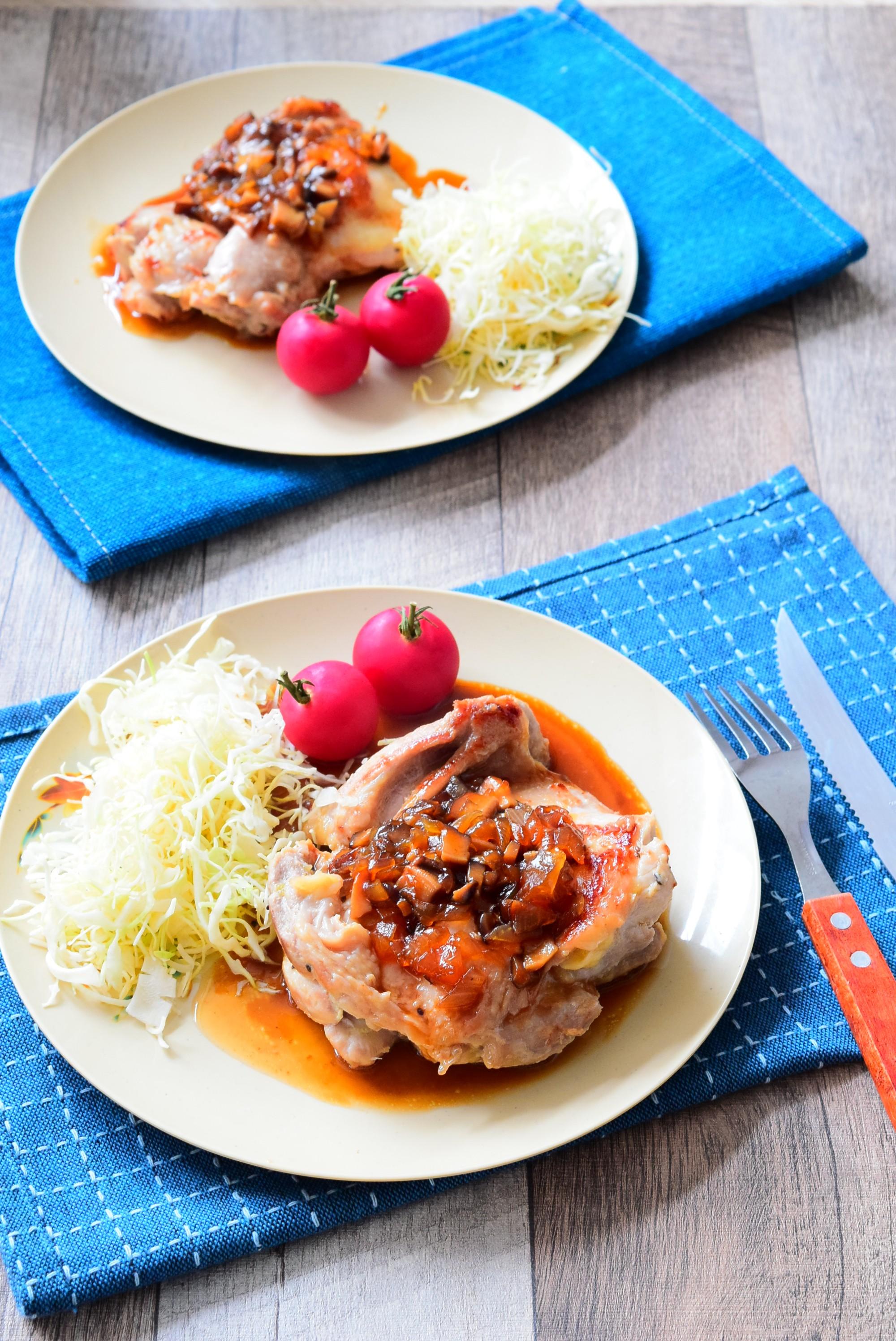 キウイ漬け!柔らか鶏ももステーキの野菜ソースがけのレシピ