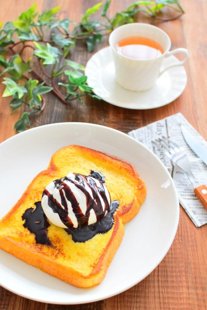豆乳フレンチトーストのチョコレートソースがけのレシピ