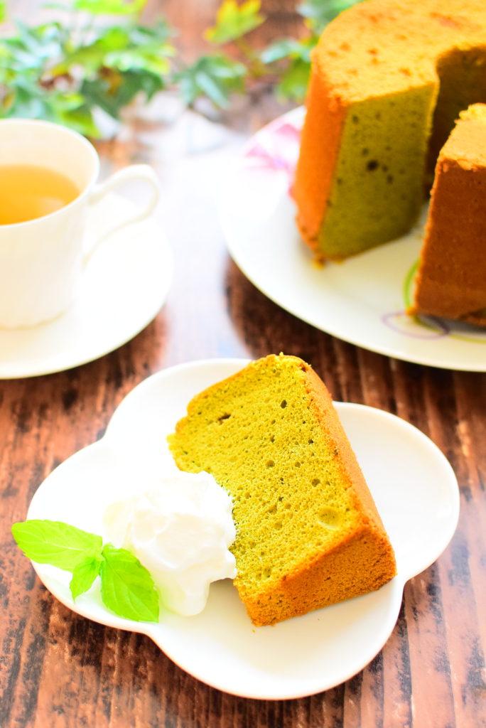 オリーブオイル入り!青汁の黒糖シフォンケーキのレシピ