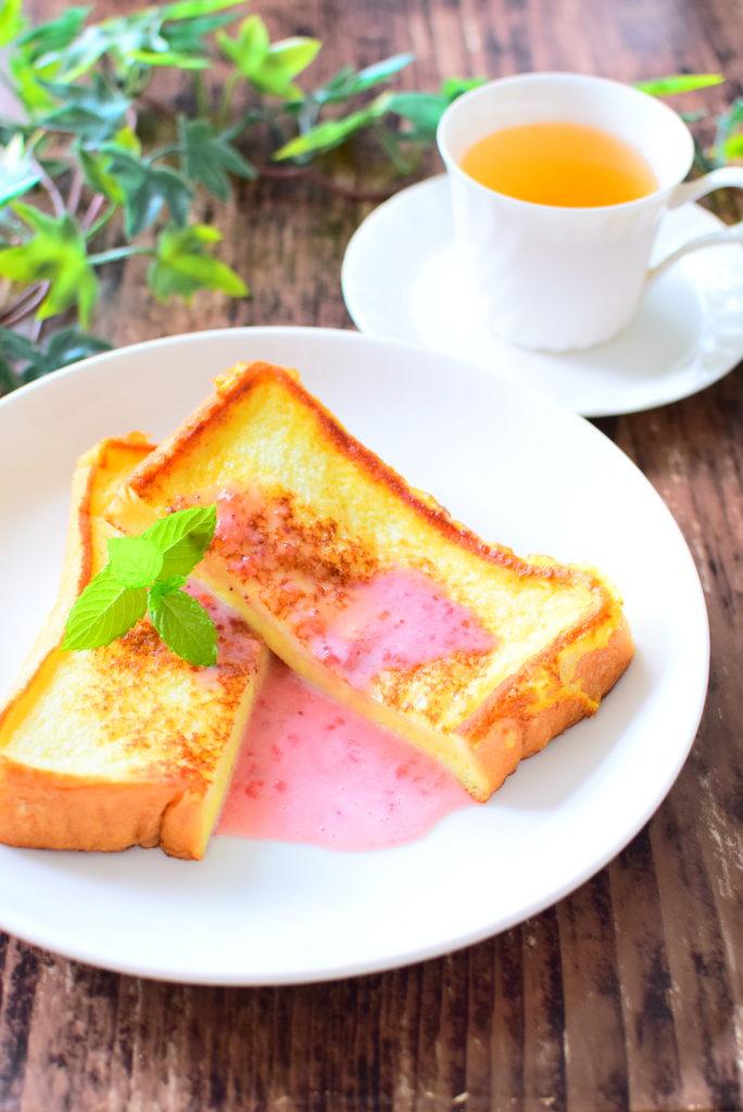 いちごジャムソースがけフレンチトーストのレシピ