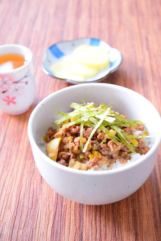にんにくの醤油漬けのひき肉丼のレシピ