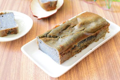 体に優しい組み合わせ!黒ごま入り豆腐ケーキのレシピの写真