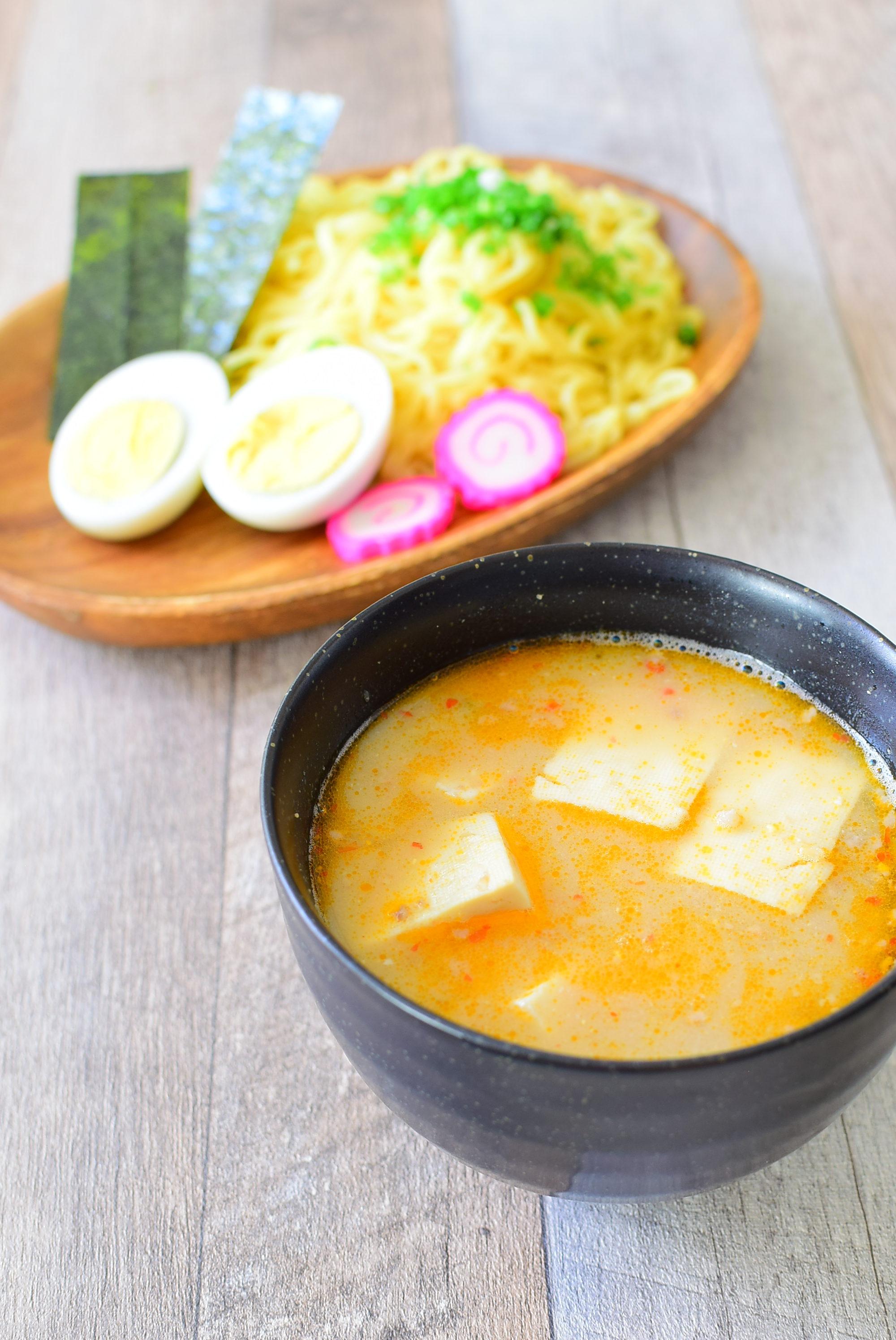 みそ味の豆腐入りピリ辛つけ麺のレシピの写真