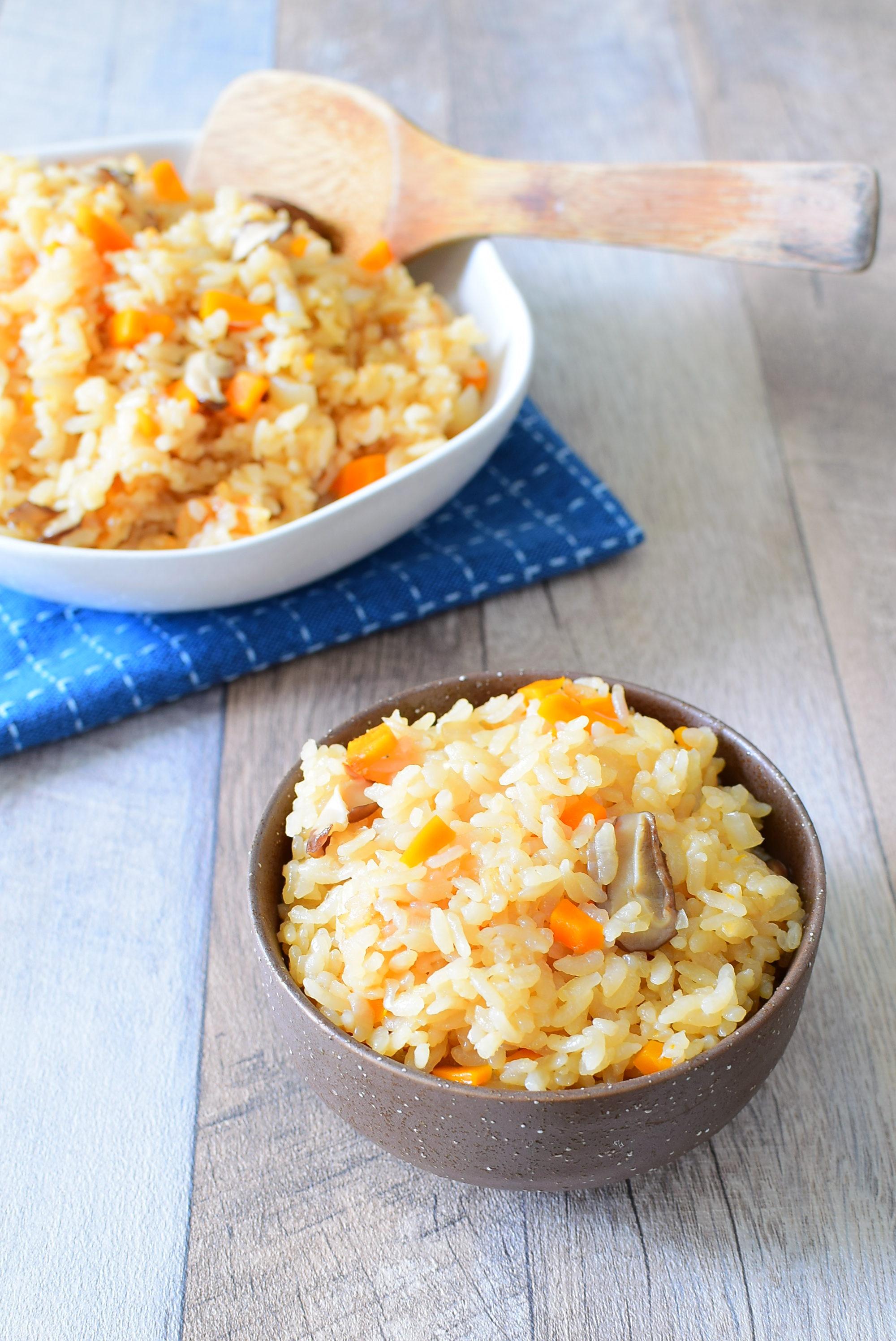 具は野菜だけ!簡単!炊き込みご飯のレシピの写真