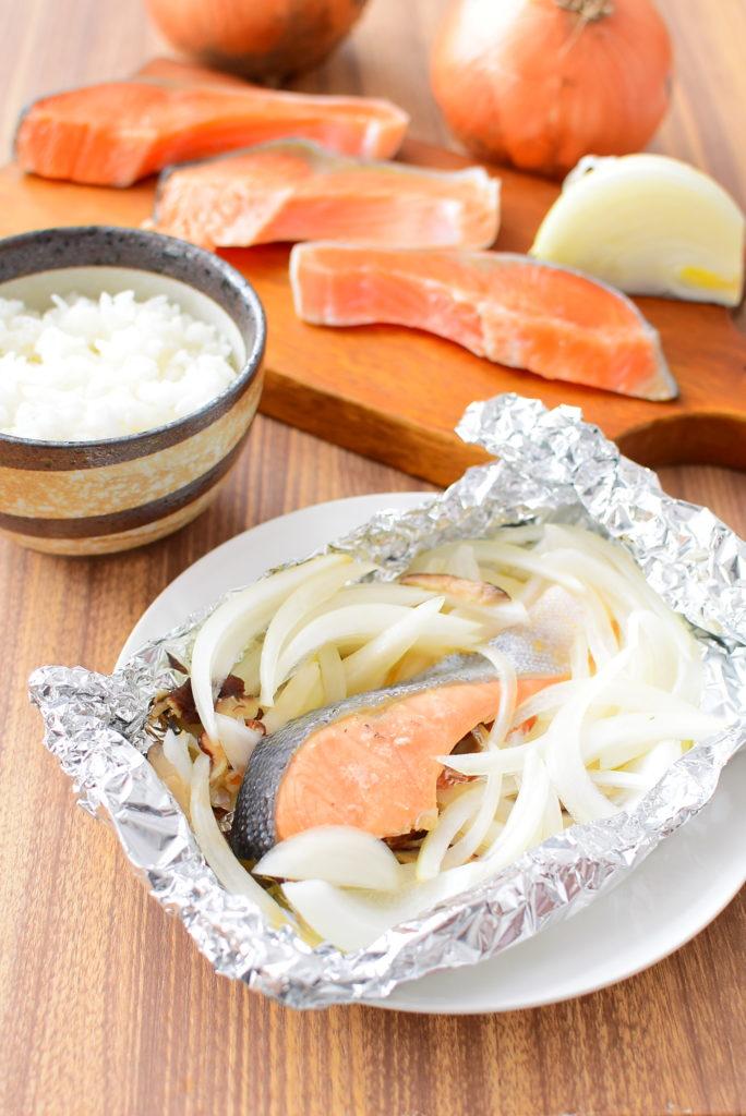 鮭と玉ねぎのホイル焼きのレシピ