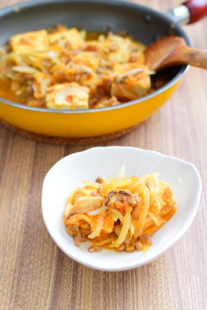 厚揚げと野菜のすりおろしりんご炒めのレシピ
