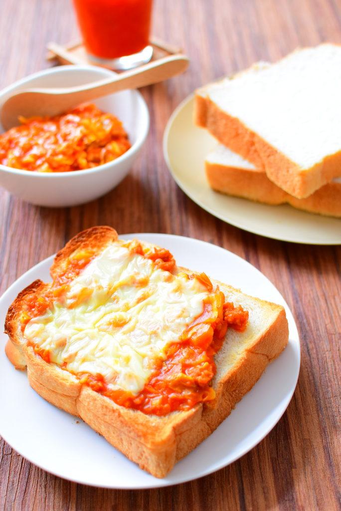 きゃべつたっぷり!ミートソースのせチーズトーストのレシピ