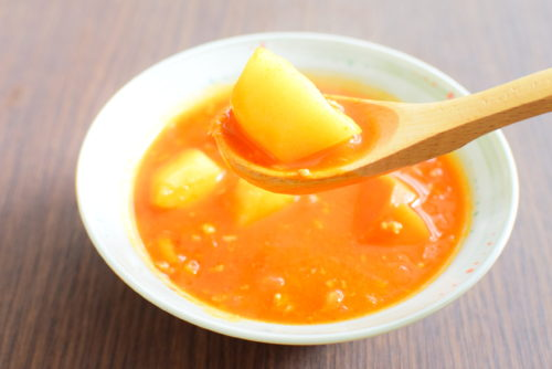 ミートソースのリメイク!じゃがいもとにんじんの野菜スープのレシピの写真