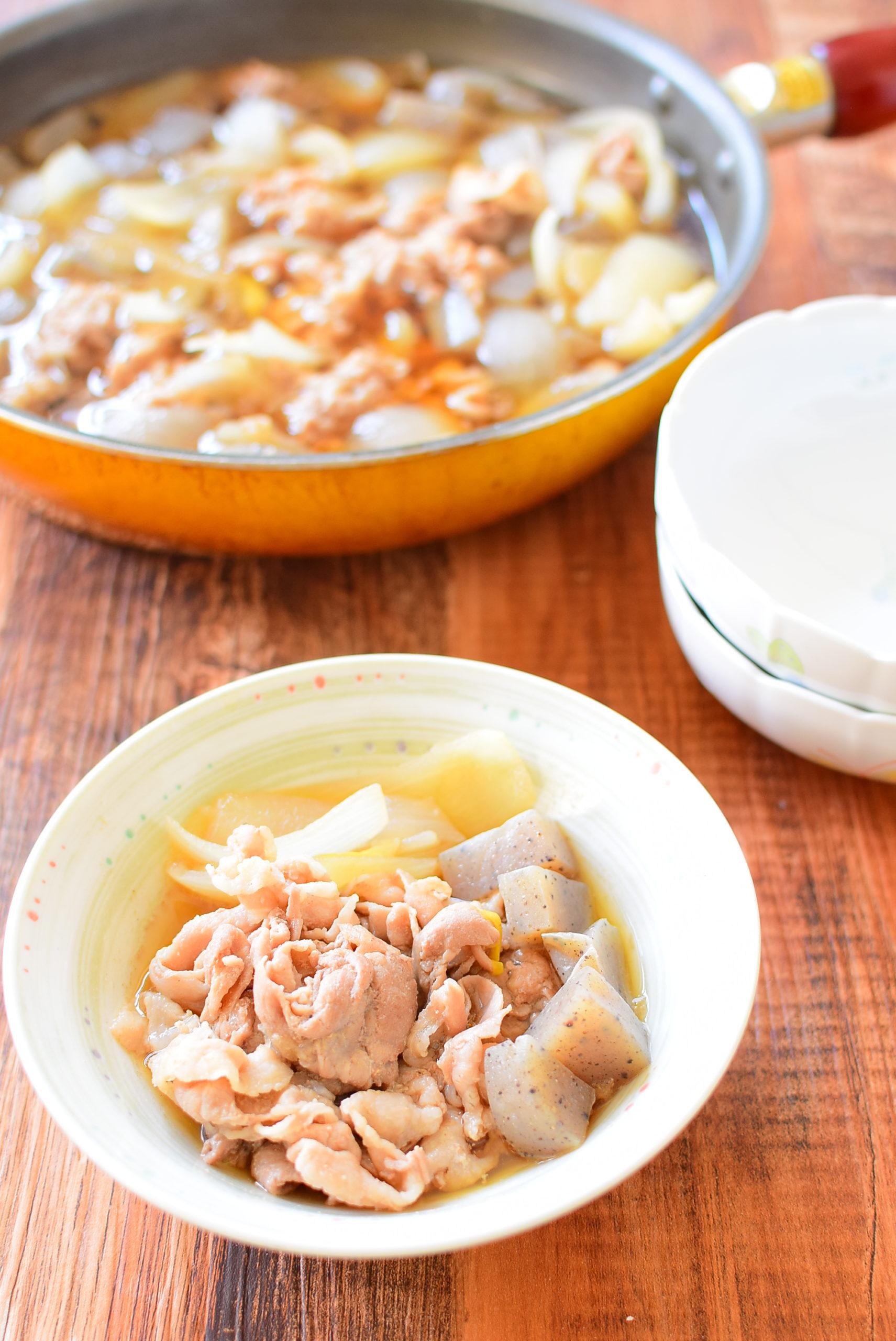 豚バラとこんにゃくのしょうゆ煮のレシピの写真
