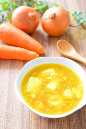ガーリックカレーコンソメスープのレシピの写真