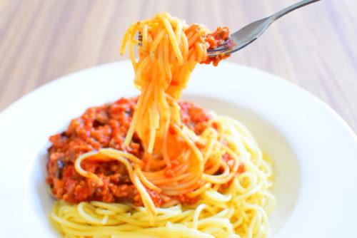 ホールトマトで作る!なす入りミートソーススパゲッティーのレシピの写真