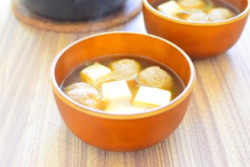 肉団子と豆腐の醤油ピリ辛スープのレシピの写真