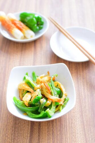 ピーマンとちくわのオイマヨ炒めのレシピの写真