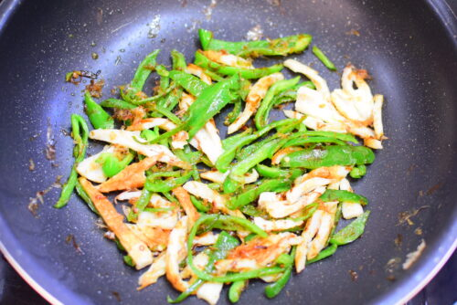 ちくわとピーマンの鰹節炒めのレシピの写真
