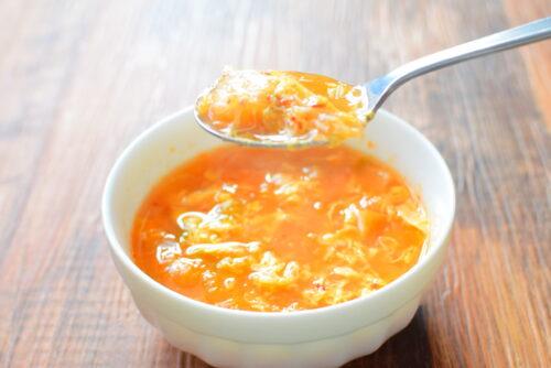 キムチ入りたまご味噌スープのレシピの写真