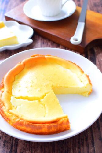 【生クリーム不使用】ヨーグルト入りベイクドチーズケーキのレシピの写真