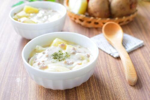 【ルーなし】ひき肉クリームシチューのレシピの写真
