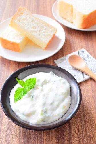 【無糖ヨーグルトで簡単】ギリシャの料理ザジキのレシピの写真